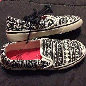 02447ed045ed82 New Faded Glory 7 black white slip on sneakers